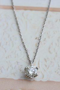 ダイヤモンドの遺骨ペンダント、プラチナ